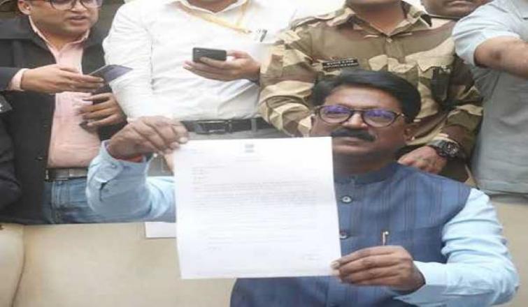 President Kovind accepts Sawant's resignation, Javadekar given additional charge