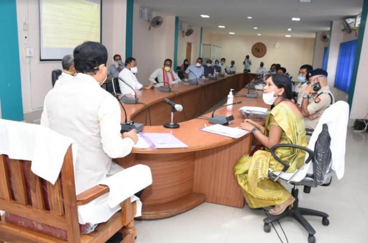 Assam CM Sonowal directs to maintain strict vigil at Indo-Bangladesh border