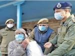 Jammu and Kashmir: Baramulla police distributes COVID19 preventive kits