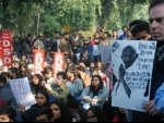 JNU students refuse to stop march towards Rashtrapati Bhavan, clash with police