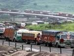 Vehicles leave Jammu for Srinagar on Kashmir highway