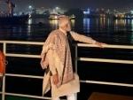 PM Modi cruises through Kolkata despite Left protests, Mamata makes 'courtesy' visit