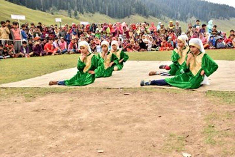 Kashmiris celebrate 'Indian hood' on Aug 5: Mir Junaid
