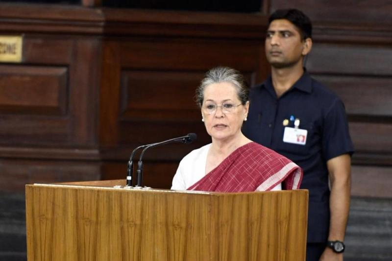 Over 20 Congress leaders write to Sonia Gandhi on leadership issue ahead of CWC meet
