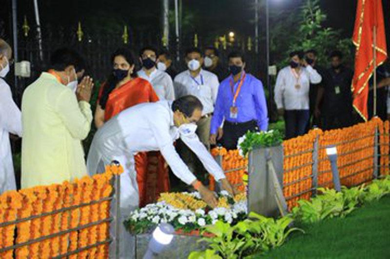 Uddhav Thackeray addresses Shiv Sainiks on Dussehra in auditorium amidst Covid-19 safety protocols