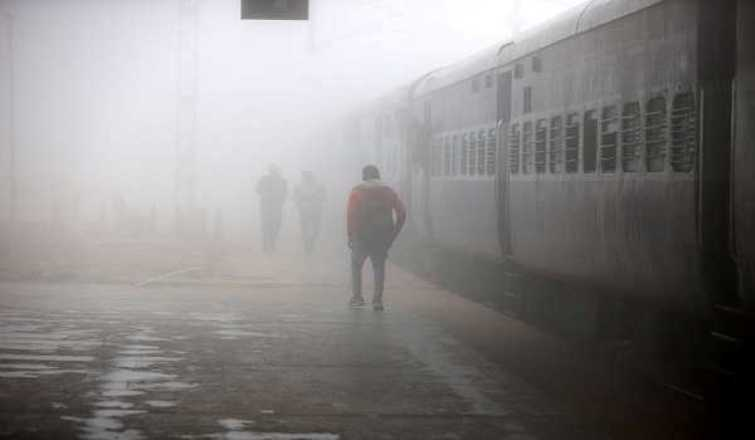 Fog blinds north India, flights, trains delayed in Delhi, vehicles collide in UP