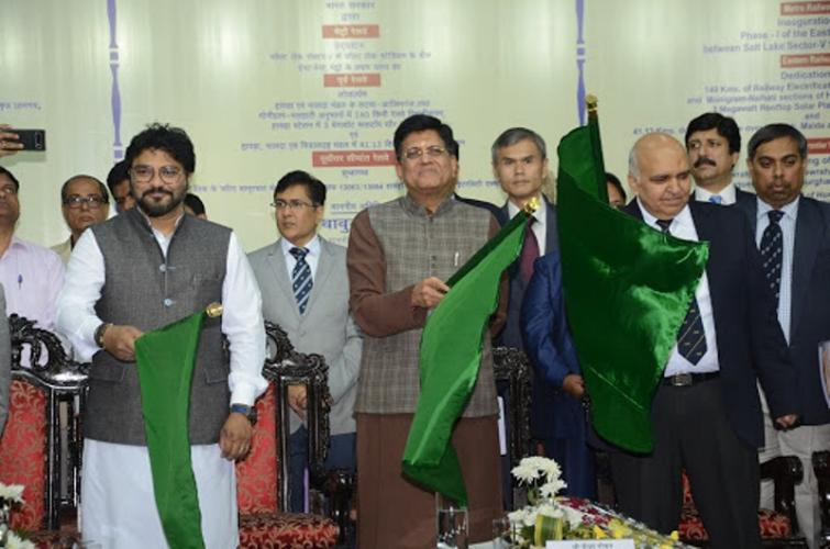 Piyush Goyal flags off East-West Metro's first phase project in Kolkata