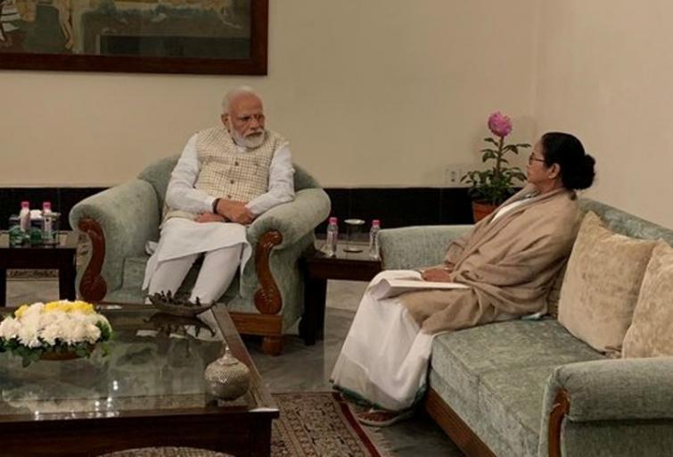 Narendra Modi, Mamata Banerjee meet in Kolkata