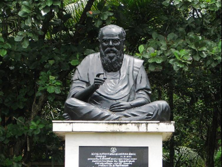 Tamil Nadu: Dravidian legend Periyar's statue damaged in Kanchipuram