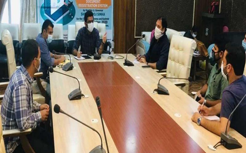 Jammu and Kashmir: DC Srinagar reviews arrangements for universal enrolment under JK Health Scheme