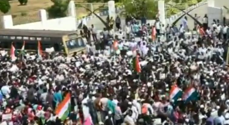 Anti-CAA protesters march towards state secretariat in Chennai