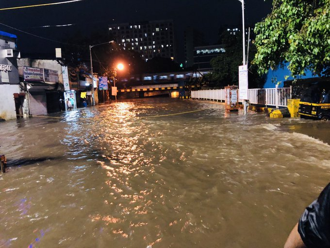 Heavy rains with stormy winds at 107 kmph lash Mumbai, people asked to remain indoors
