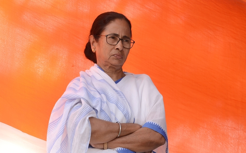 Mamata Banerjee speaks with protesting farmers lending support to farmers' protest