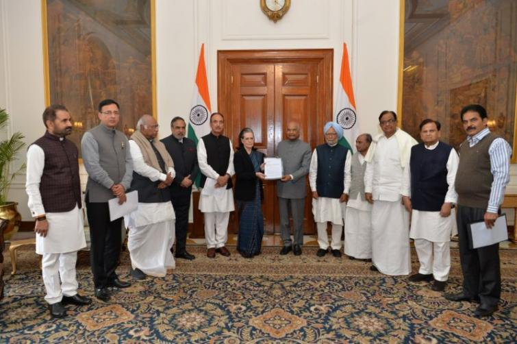 Sonia leads Cong delegation to Prez Kovind over Delhi violence, demands Home Minister Amit Shah's removal