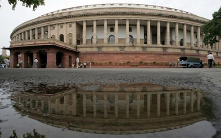 Venkaiah Naidu administers oath to 45 newly-elected Rajya Sabha MPs