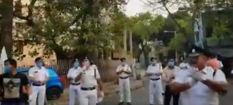 COVID-19 lockdown: Kolkata Police officer sings song to cheer self-isolated residents