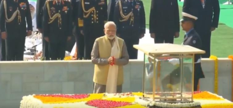 PM Modi pays homage to Mahatma Gandhi on his death anniversary