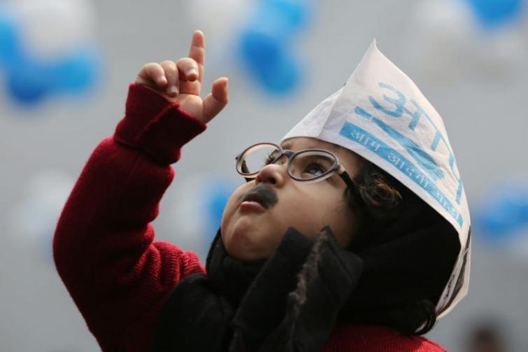 Suit up Junior: AAP invites 'Baby Mufflerman' to Arvind Kejriwal's swearing-in ceremony