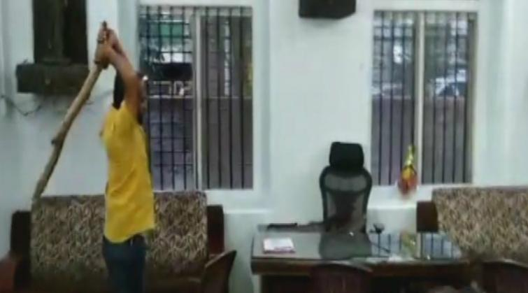 Supporters of Congress MLA vandalise party office in Pune, 19 arrested