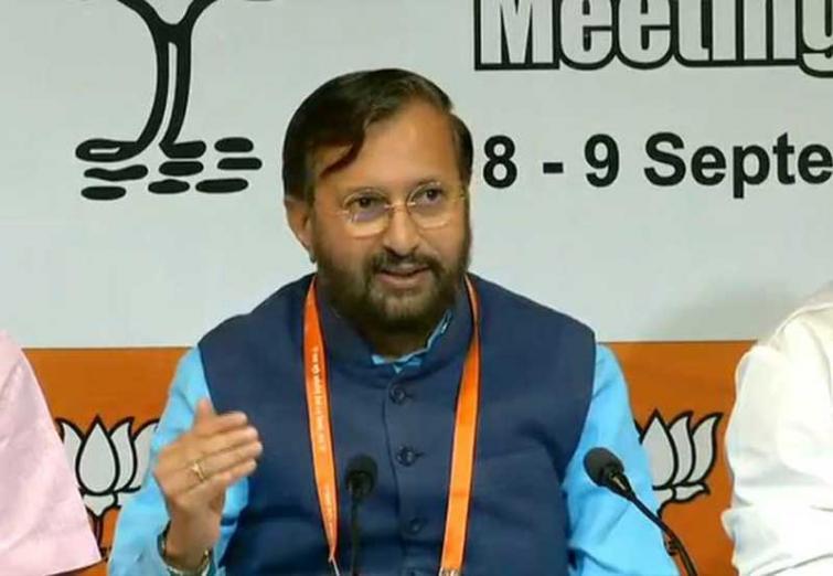 Kejriwal betrayed Anna for political gains: Prakash Javadekar