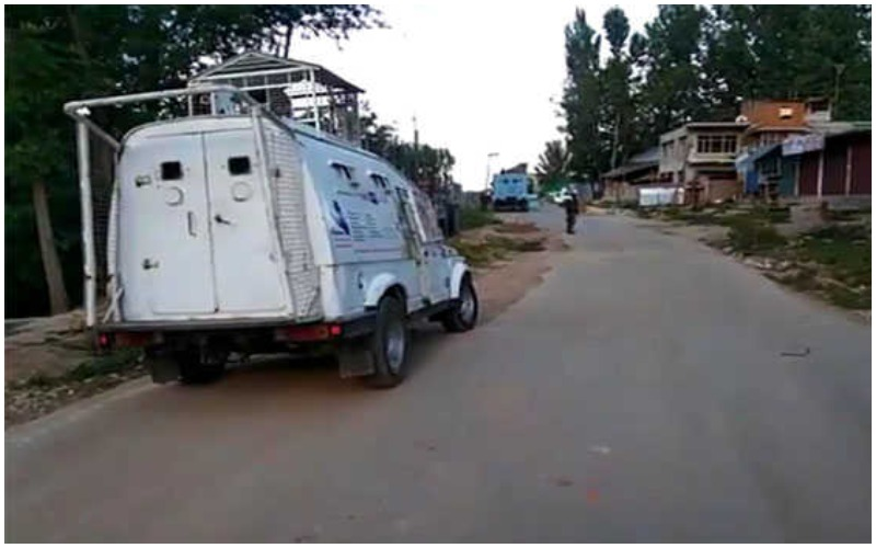 Militants attack security force party in Kashmir, no injury reported