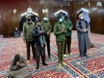 IGP Kashmir visits Hazratbal shrine, prays for peace and prosperity