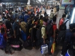 As thousands reach Mumbai station amid Covid surge, Railways asks people not to panic and avoid crowding