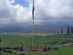Jammu and Kashmir: Indian Army hoists tallest national flag in Gulmarg