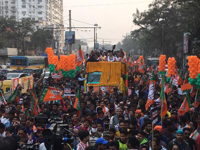 Kolkata: Suvendu Adhikari's mega roadshow 'attacked' allegedly by TMC workers