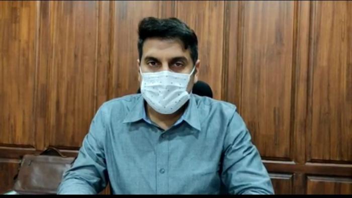 Intensify innoculation to achieve 100 per cent target within next 10 days: DC Srinagar