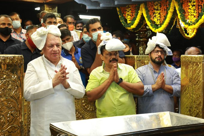 Kerala Guv Arif Mohammed Khan offers prayers at Lord Ayyappa temple in Sabarimala