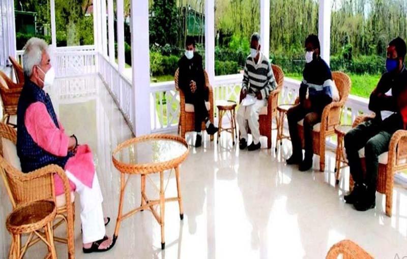 Jammu and Kashmir: Several delegations call on Lt Governor at Srinagar