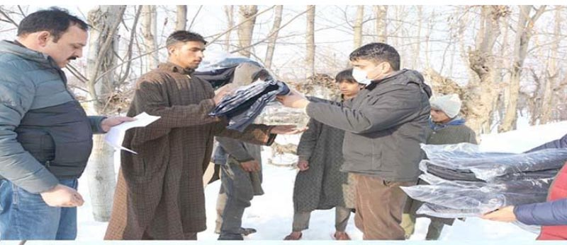 Jammu and Kashmir: Essential items distributed among needy families at Shopian