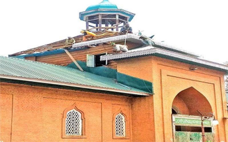 Renovation of Jamia Masjid in Shopian in Kashmir under full swing