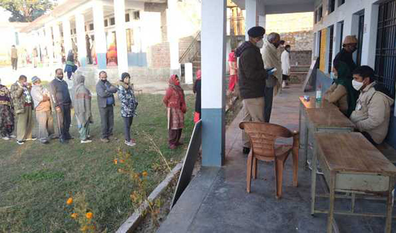 About 18 per cent polling recorded in Himachal Pradesh's Hamirpur in first two hours