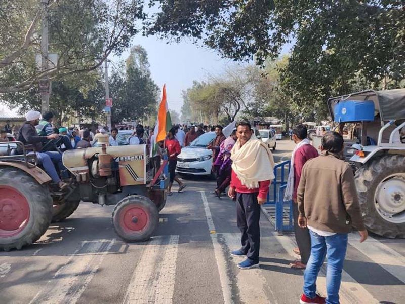 Farmers knock down barricades at protest against sedition laws in Haryana