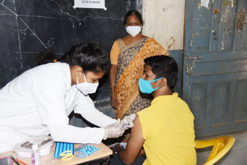 Supreme Court directs tough questions to Centre over COVID-19 vaccination strategy