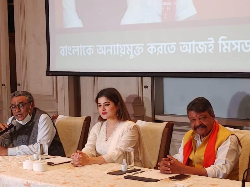Tollywood actress Srabanti Chatterjee joins BJP in Kolkata