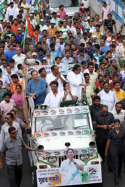 Mamata holds rally in Kolkata