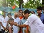 LS: Political leaders campaign in Kolkata
