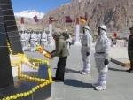 Parrikar visits Siachen Glacier