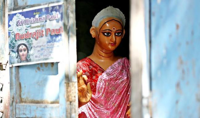 Bengalis gear up to worship Goddess Laxmi