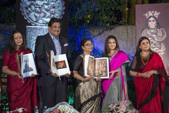 Vidya Balan unveils Jayasri Burman's book 'Antaryatra'