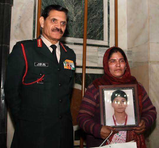 COAS felicitates national bravery awardees