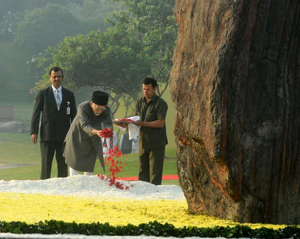 Late Smt. Indira Gandhi, on her 98th Birth Anniversary, at Shakti Sthal, in Delhi