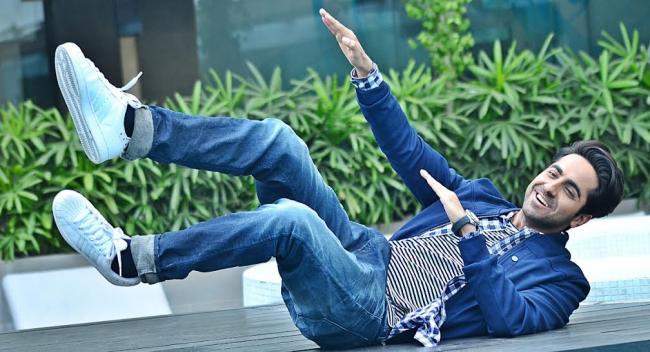 Ayushmann visits Kolkata to promote Hawaizaada