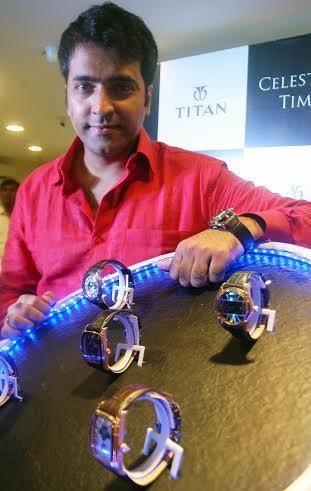 Actor Abir Chatterjee unveils Titan's new collection in Kolkata