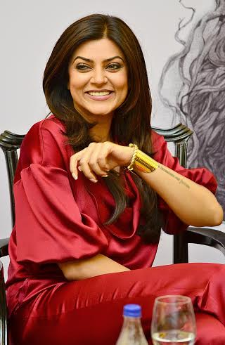 Sushmita Sen along with 'Nirbaak' team interact with media in Kolkata