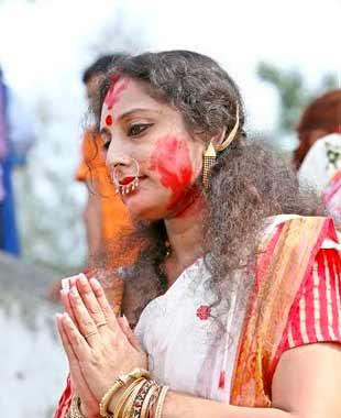 Revellers bid adieu to Goddess Durga on Maha Dashami