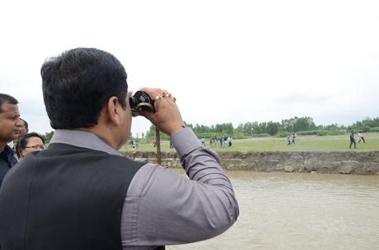 Sarbananda Sonowal inspects border areas of Indo-Bangla Border